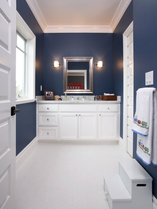 Navy and white design ideas remodel pictures houzz for Bathroom remodel for 4000