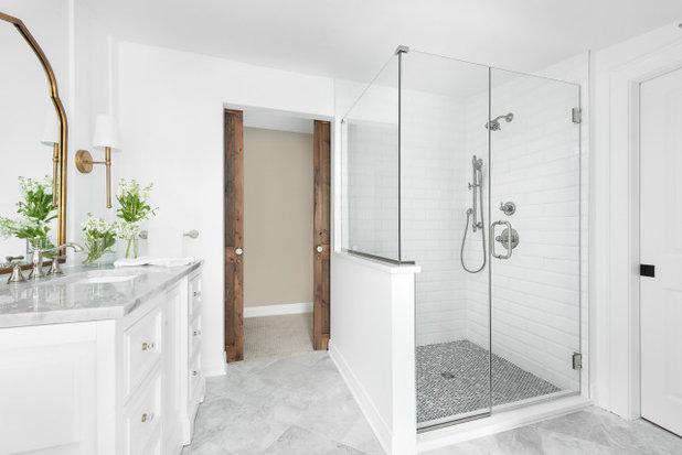 Clásico Cuarto de baño by Sarah Coe Design LLC