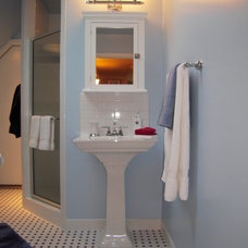 Traditional Bathroom by Suzan J Designs - Decorating Den Interiors
