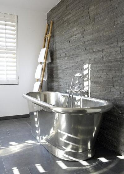 コンテンポラリー 浴室 by Anne Webster Designs Pty Ltd