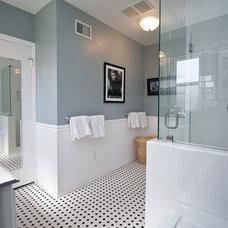 Traditional Bathroom by One Week Bath, Inc.