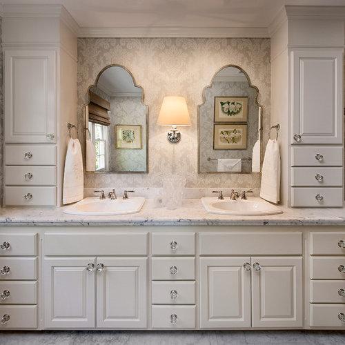 Top 20 Upper Cabinets Bathroom Ideas | Houzz