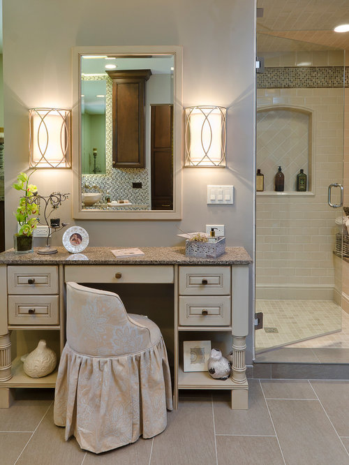 Merveilleux Example Of A Classic Bathroom Design In Chicago With Granite Countertops