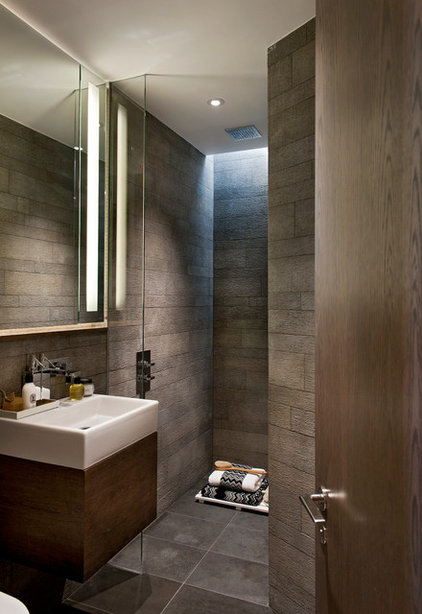 Contemporary Bathroom by Honky Architecture & Interior Design