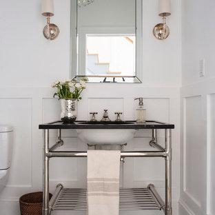 Esempio di una piccola stanza da bagno con doccia classica con lavabo a consolle, nessun'anta, pareti bianche e pavimento con piastrelle a mosaico