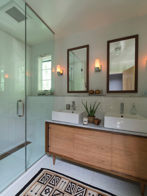 Mid century modern bathroom home design ideas pictures for Mid century modern bathroom vanity ideas