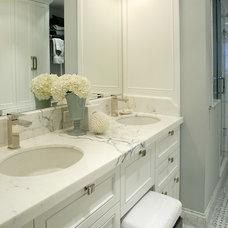 Transitional Bathroom by Gillian Gillies Interiors (GGI)