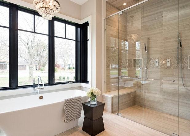 Clásico renovado Cuarto de baño by Atlantic, LLC
