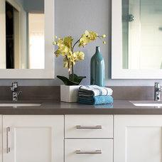 Traditional Bathroom by Sea Pointe Construction