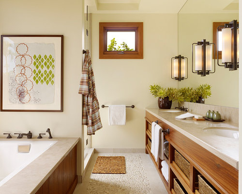 Galley bathroom ideas pictures remodel and decor for Galley style bathroom ideas