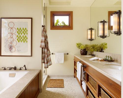 une salle de bain exotique rustique aux accents du far west ...