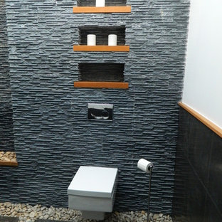 Bild på ett tropiskt badrum