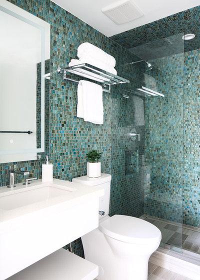 Beach Style Bathroom by CARTER INTERIOR CONCEPTS
