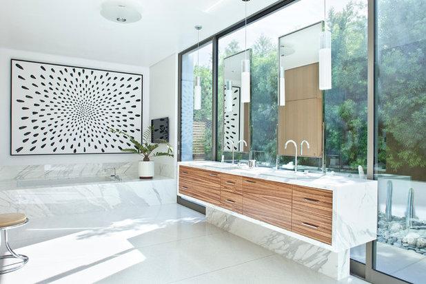 コンテンポラリー 浴室 by Studio William Hefner