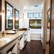 Rustic Bathroom by Greenwood Homes