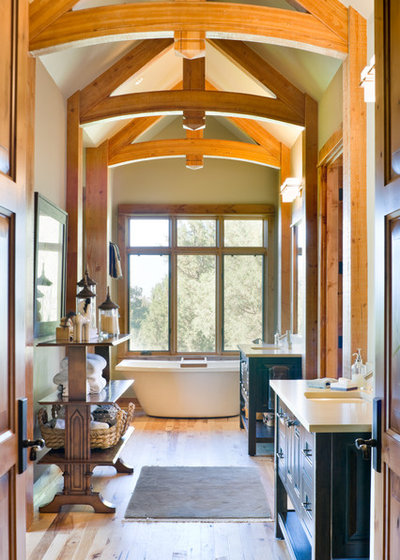Rustic Bathroom by Alan Mascord Design Associates Inc