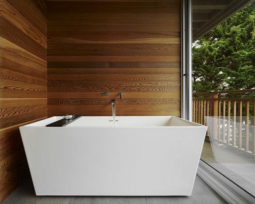 Bagno moderno con pareti marroni - Foto, Idee, Arredamento