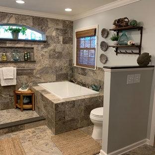 Ejemplo de cuarto de baño de estilo americano con bañera encastrada, ducha abierta, baldosas y/o azulejos grises, baldosas y/o azulejos de travertino, suelo de baldosas de cerámica, lavabo sobreencimera y ducha abierta