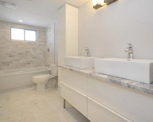 Tumbled marble bathrooms home design ideas pictures for Tumbled marble bathroom designs