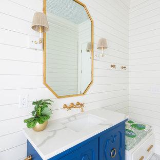 На фото: детская ванная комната среднего размера в стиле модернизм с полом из керамической плитки, столешницей из искусственного кварца, серым полом, тумбой под одну раковину, напольной тумбой, потолком с обоями и стенами из вагонки с