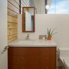 Modern Bathroom by Boor Bridges Architecture