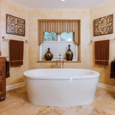 Traditional Bathroom by Blue Hot Design