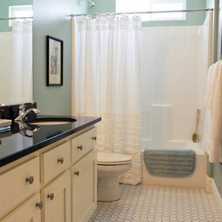 Example of a classic bathroom design in Salt Lake City