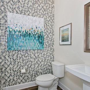 На фото: ванная комната в стиле шебби-шик с