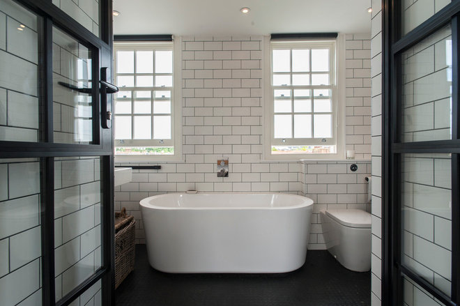 Bathroom by Morgan Harris Architects Ltd