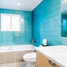 Modern Bathroom by Catherine Nguyen Photography