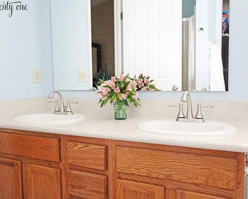 Stanza da bagno shabby chic style con top in laminato foto idee arredamento - Bagno shabby immagini ...