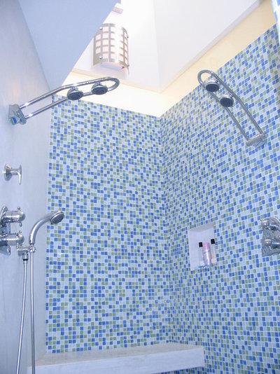 Contemporary Bathroom by MP DESIGN