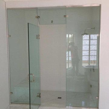 U.S.FRAMLESS GLASS SHOWER DOOR