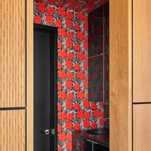 Inspiration för små moderna svart badrum med dusch, med släta luckor, svarta skåp, röda väggar och ett nedsänkt handfat