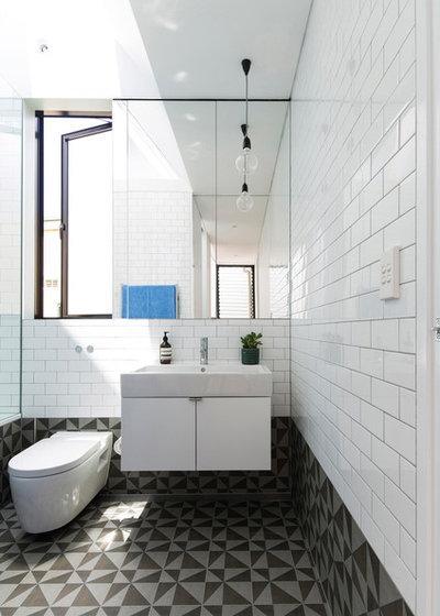 Modern Bathroom by Christopher Polly Architect