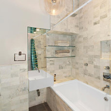 Modern Bathroom by kimberly peck architect