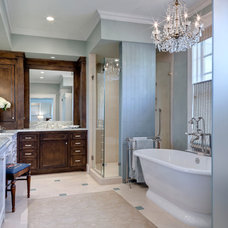 Traditional Bathroom by Domiteaux + Baggett Architects, PLLC
