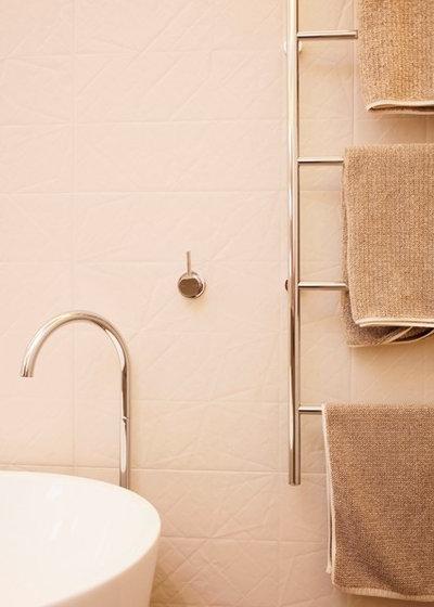 contemporain salle de bain by koush design - Repeindre Le Carrelage D Une Salle De Bain