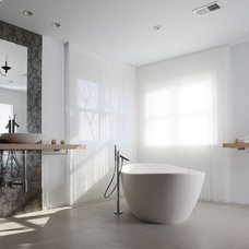 Modern Bathroom by NF interiors