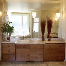 Contemporary Bathroom by Mahoney Architects & Interiors