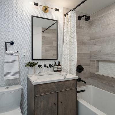 Современная классика Ванная комната by Eneia White Interiors