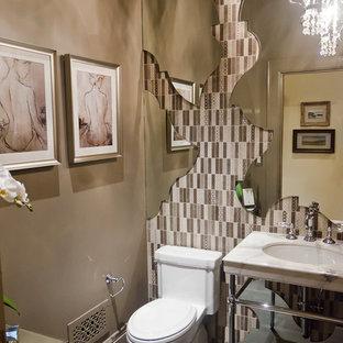 Stilmix Badezimmer mit Waschtischkonsole und Marmor-Waschbecken/Waschtisch in San Francisco