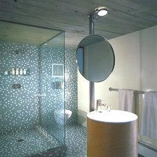 Contemporary Bathroom by Studio 12 Architecture