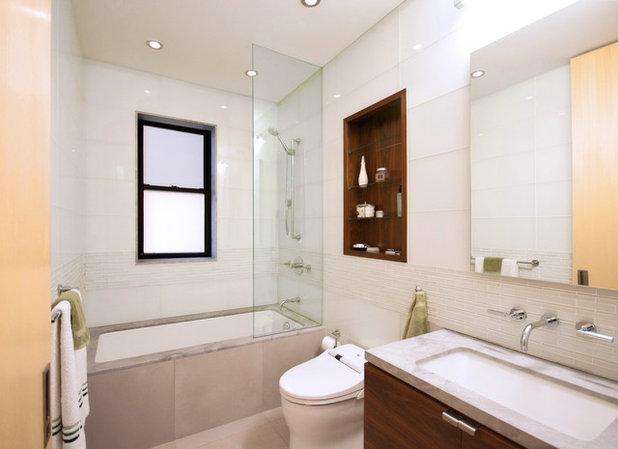 Modern Bathroom by StudioLAB