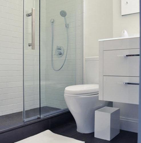 bathroom design ideas remodels photos with vinyl floors. Black Bedroom Furniture Sets. Home Design Ideas