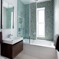 Transitional Bathroom by Tirmizi Campbell