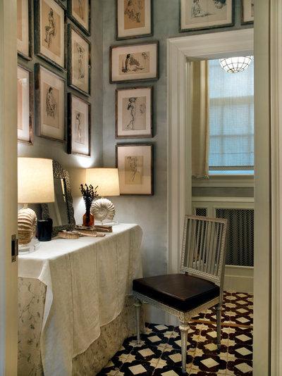 Классический Ванная комната by Frank de Biasi Interiors