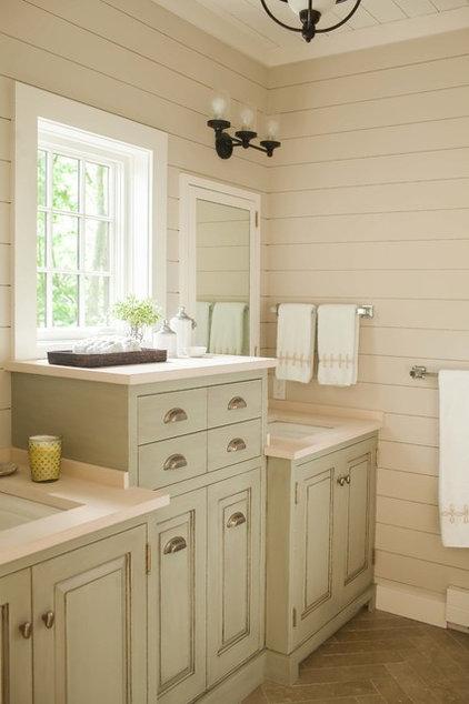 Rustic Bathroom by jamesthomas, LLC