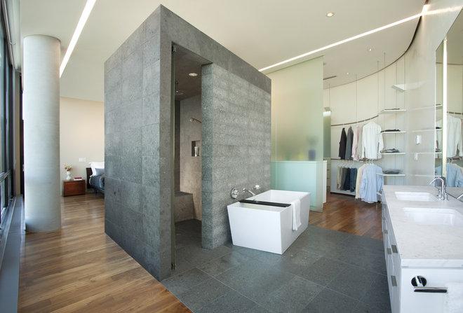 Modern Bathroom by ALTUS Architecture + Design