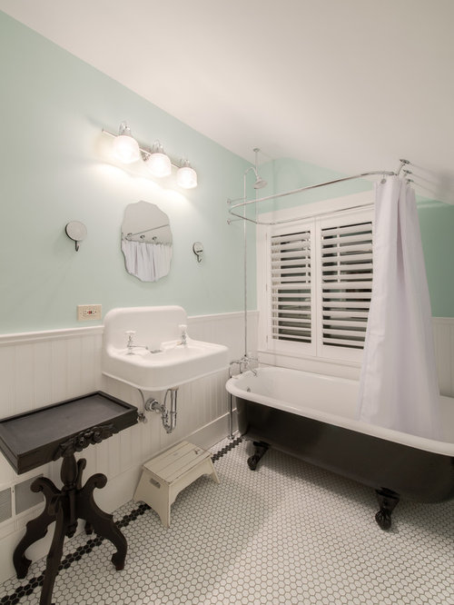 Example Of A Classic Tub Shower Combo Design In Denver With A Wall Mount